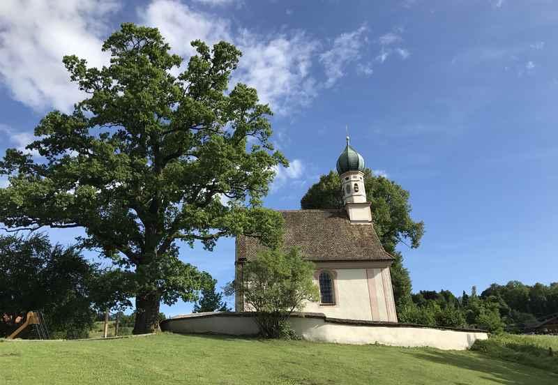 Murnauer Moos: Beim Ähndl Kircherl endet unsere Führung durch das Moor in Bayern