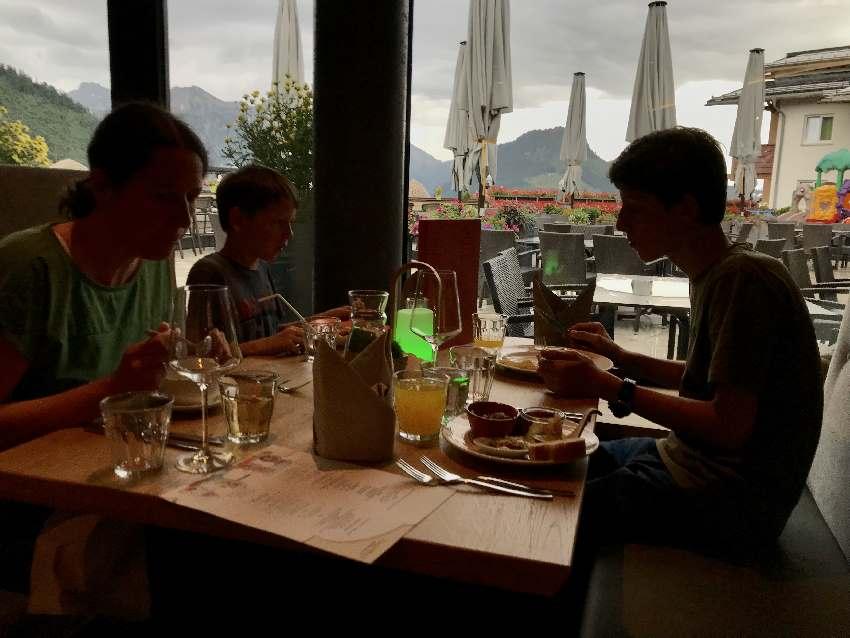 Das Abendessen im Kinderhotel Oberjoch