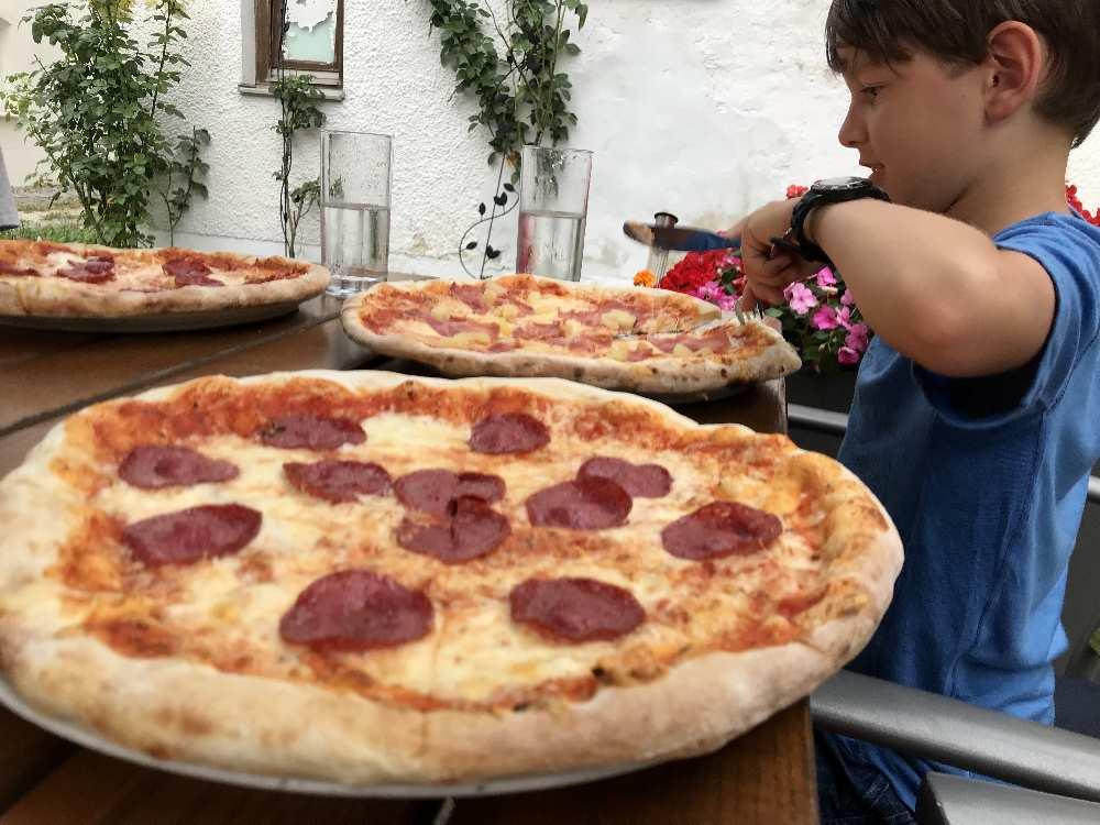 Heute kein kochen in der Ferienwohnung - wir fahren in die Pizzeria nach Langquaid
