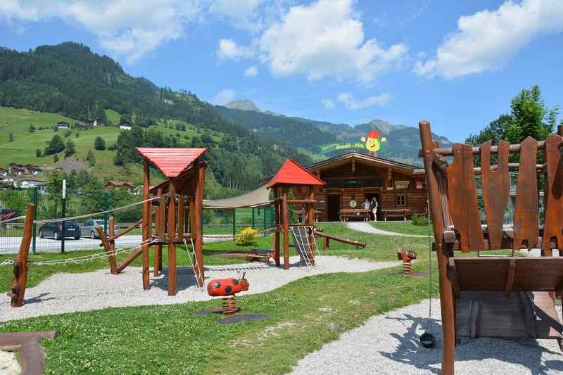 Abenteuerspielplatz in den Bergen: Die Gaudi Alm, Salzburger Land