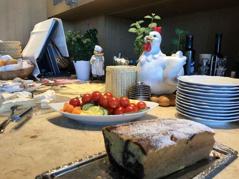 Mit einem sehr guten Frühstück beginnt über den Altmühltal unser Tag in der Ritterschenke Randeck