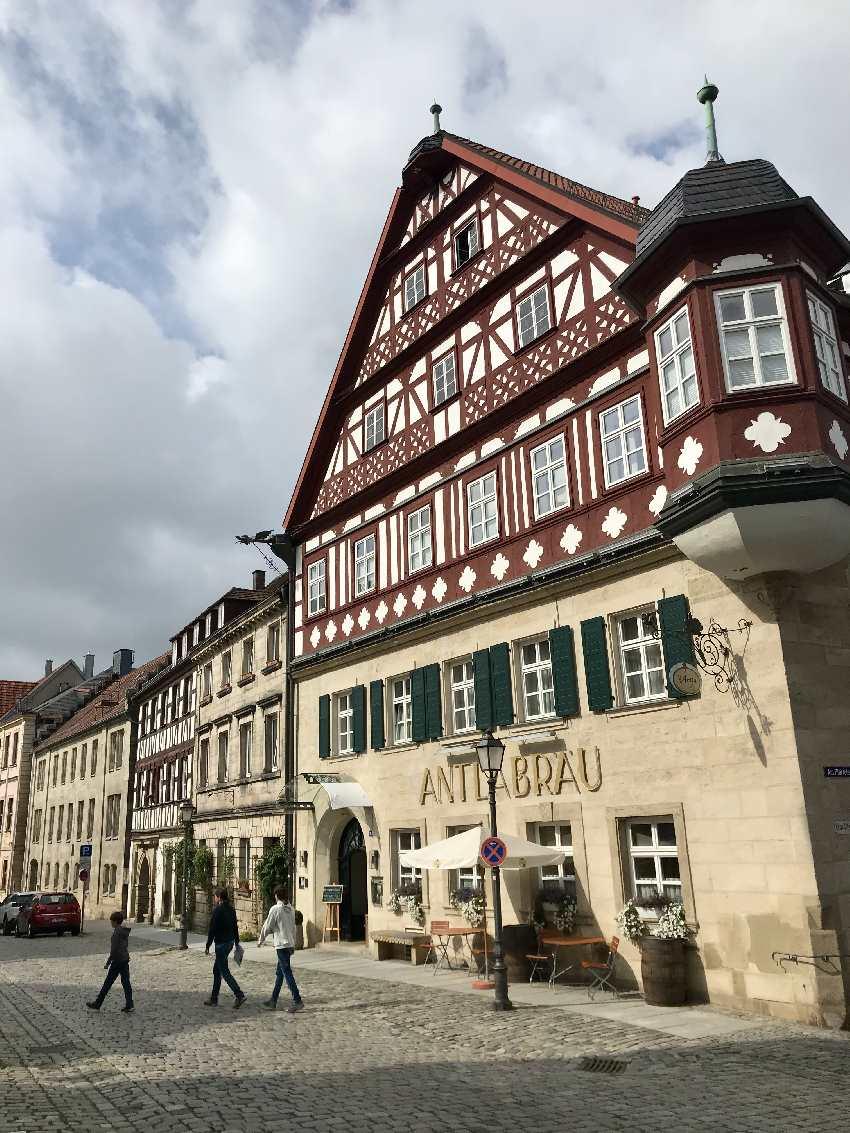 Vom JUFA Kronach direkt in die Altstadt: Toll sind die Fachwerkhäuser in Kronach mit Kindern