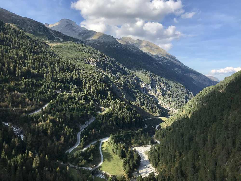 Landschaftlich toll Anreise zum Schlegeisspeicher - über diese Panoramastraße kommt du an den Gebirgsstausee