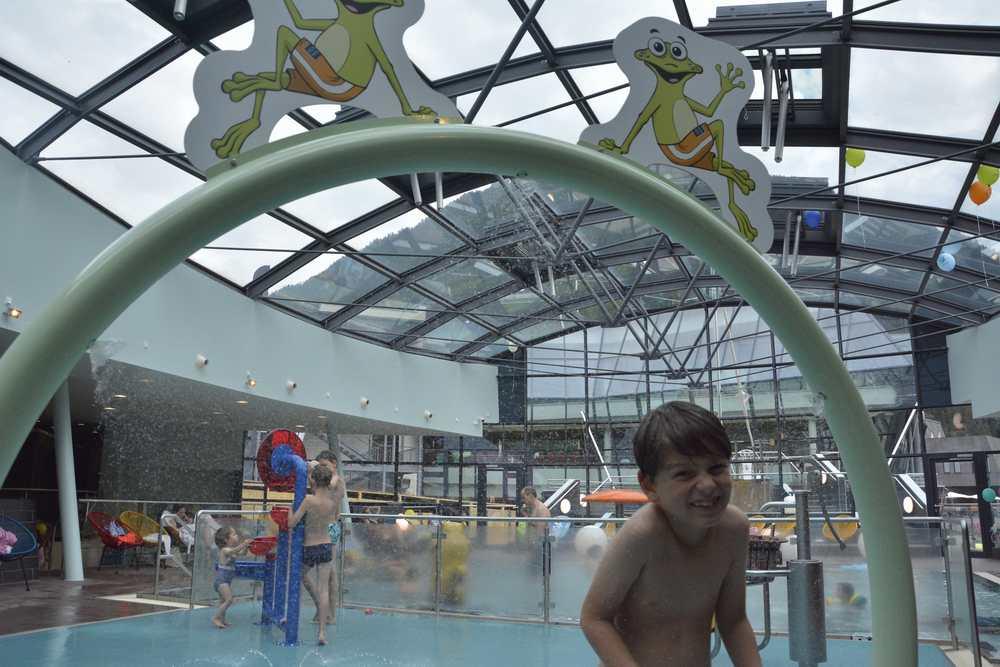 Nebendran das neue Kinderschwimmbad
