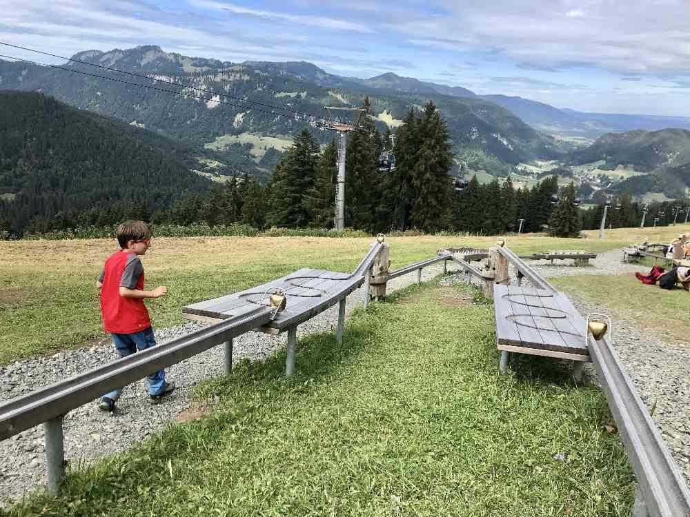 93 Meter - so lang ist die Kugelbahn an der ersten Station am Söllereck!