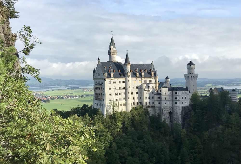 Unser Ausflug zum Schloss Neuschwanstein mit Kindern  -  dieses Bild kannst du auch machen! Ich zeige dir wo es geht...