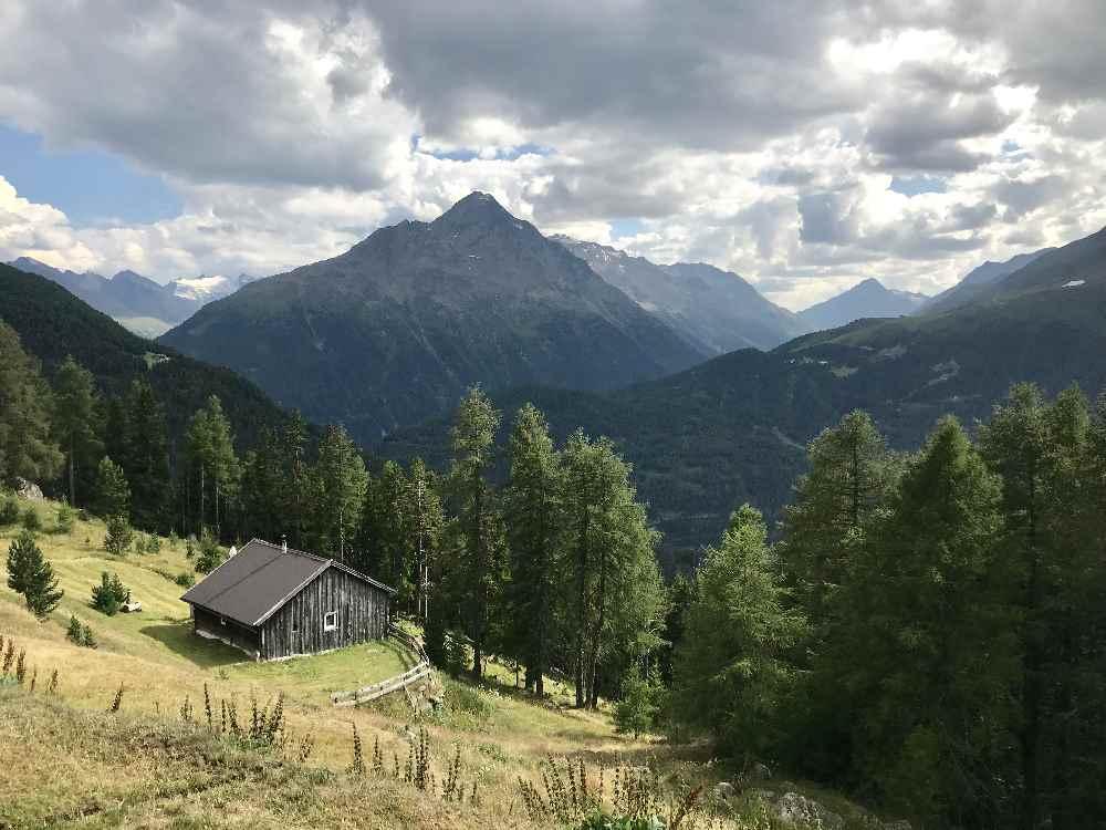 Suchst du einen schönen Ausflug mit Kindern in die Tiroler Berge?