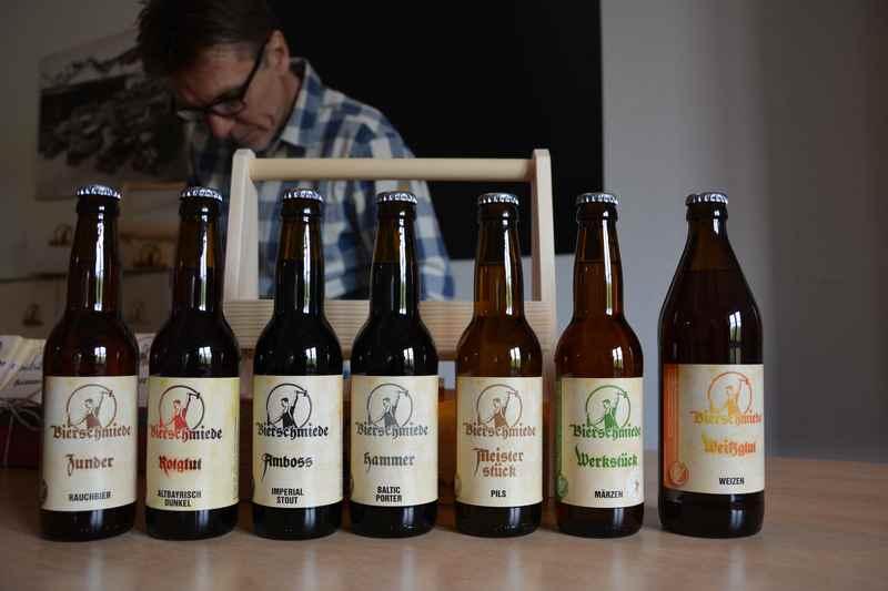 Eine besondere Brauerei am Attersee besuchen: Die Bierschmiede in Steinbach