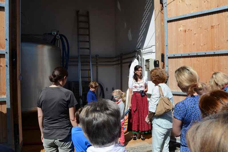 Käserei Tegernsee Führung:  Hier werden jeden Tag 7000 Liter Milch angeliefert
