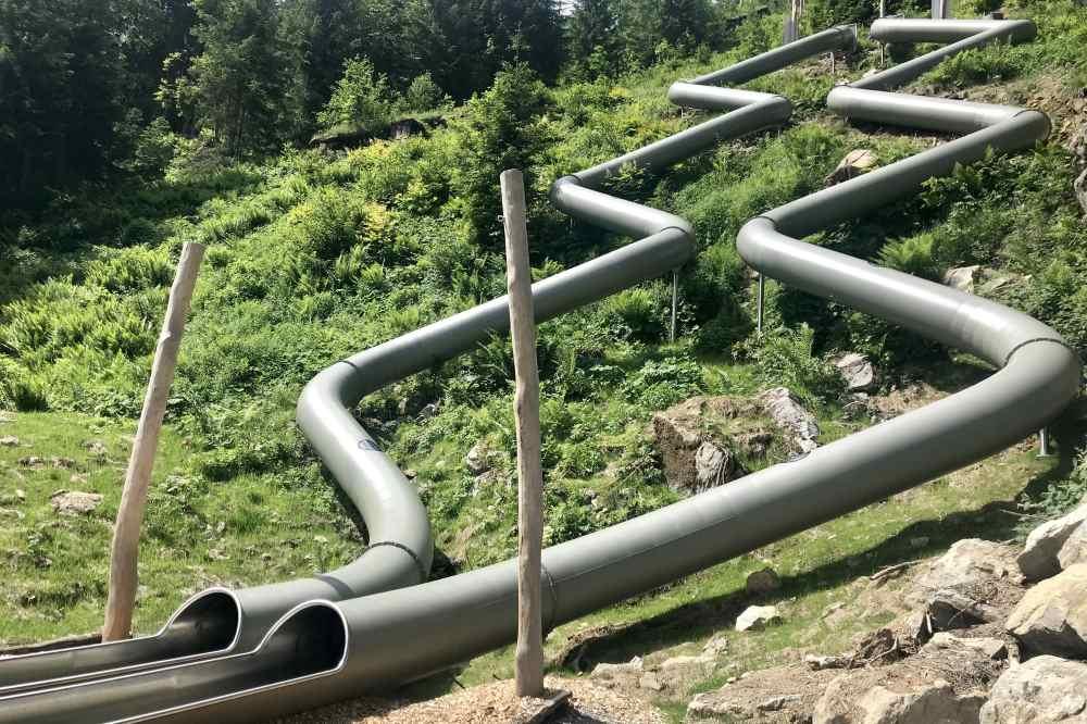 Einmaliges Ausflugsziel mit Kindern: Der Rutschenpark mit über 60 Meter langen Rutschen am Golm