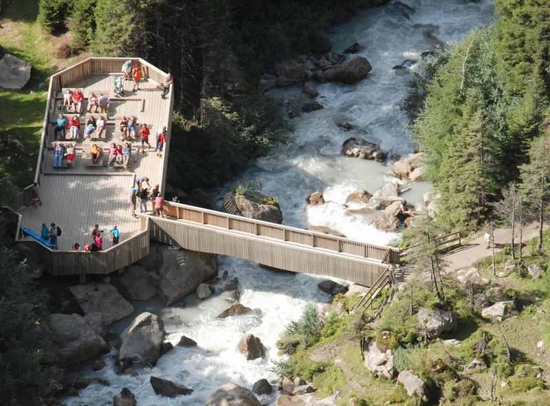 Die Aussichtsplattform beim Grawa Wasserfall