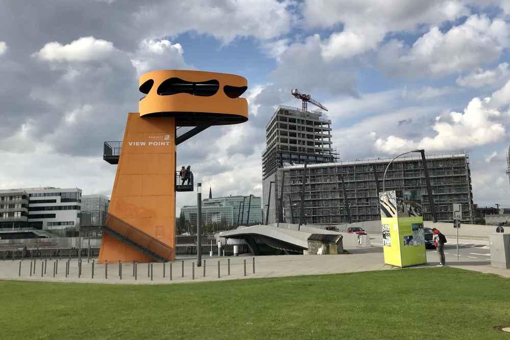 Und danach noch in der Hafencity mit Kindern: Auf den Aussichtspunkt an der Hafencity Brücke in Hamburg