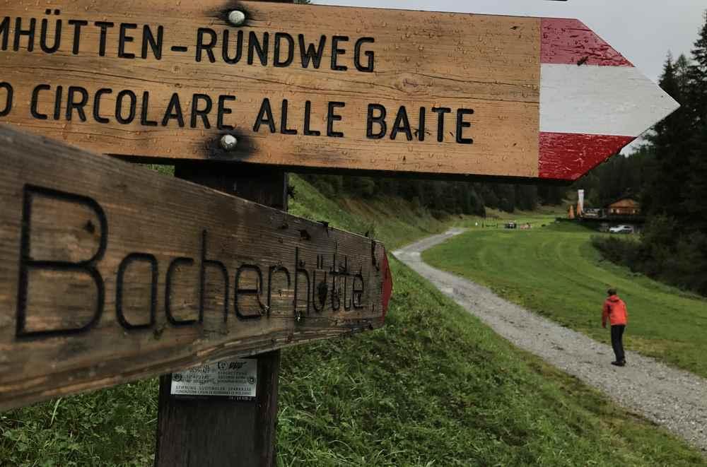 Wir wandern von der Mittelstation der Gitschberg Bergbahn zur Bacherhütte