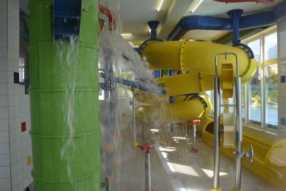 ... und Wasserrutsche