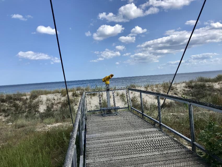 Tipp: Besuch auch die Aussichtsplattform an der Strandpromenade Usedom - daneben ist auch ein Spielplatz!
