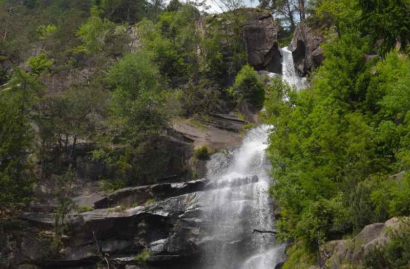 Die Barbianer Wasserfälle sind ein Naturschauspiel, das auch Kinder interessant finden