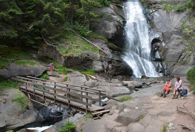 Wir würden die Wanderung wieder machen: Die Barbianer Wasserfälle Südtirol, hier der obere Wasserfall