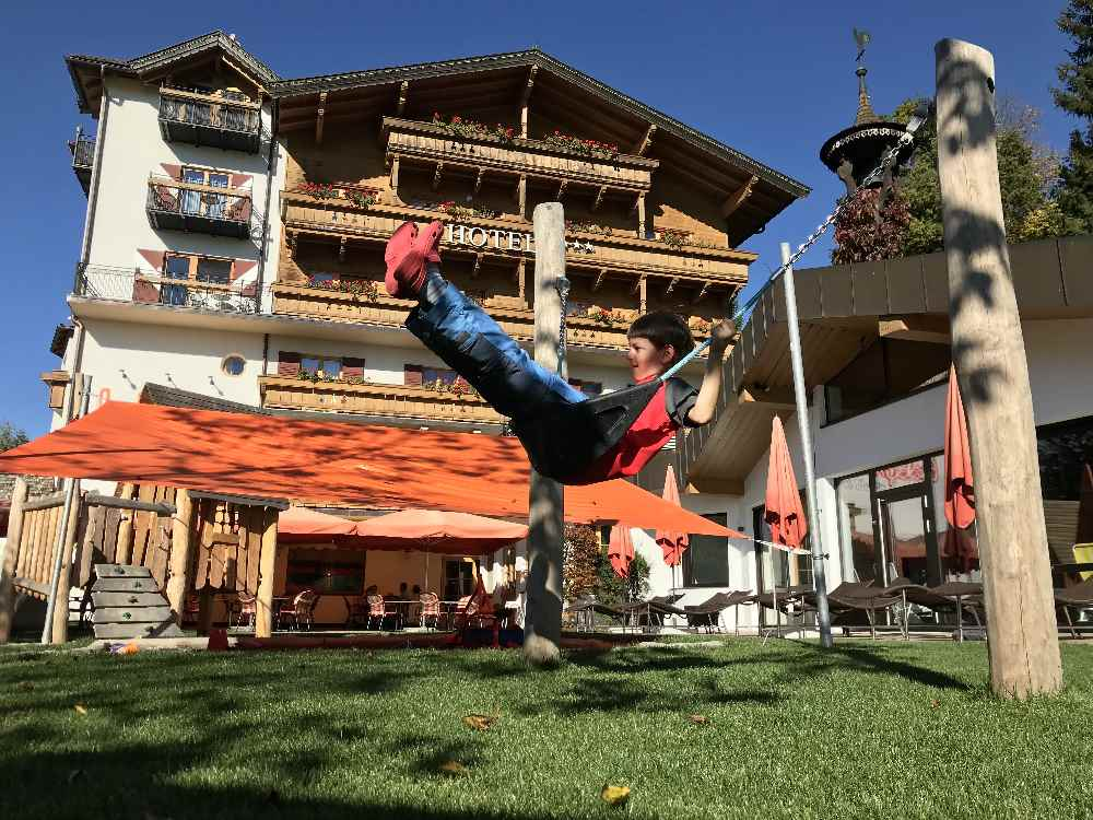 Ideales Familienhotel für den Wanderurlaub mit Kindern - das babymio in Tirol