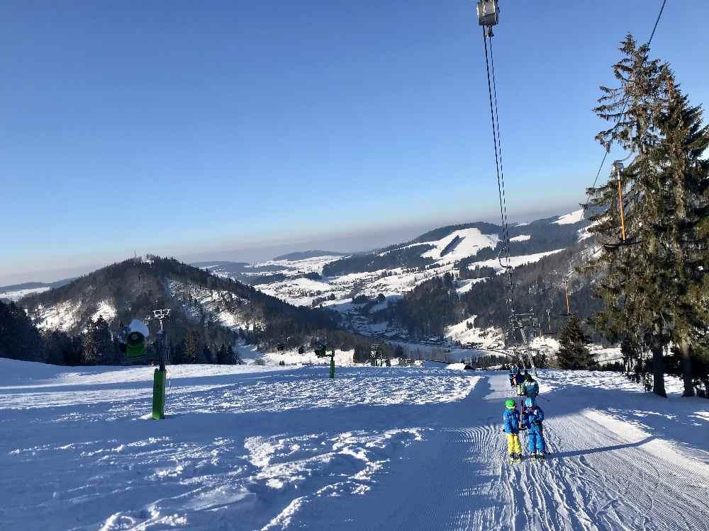 Überhaupt: Das Hündle Skigebiet geizt nicht mit toller Winterstimmung
