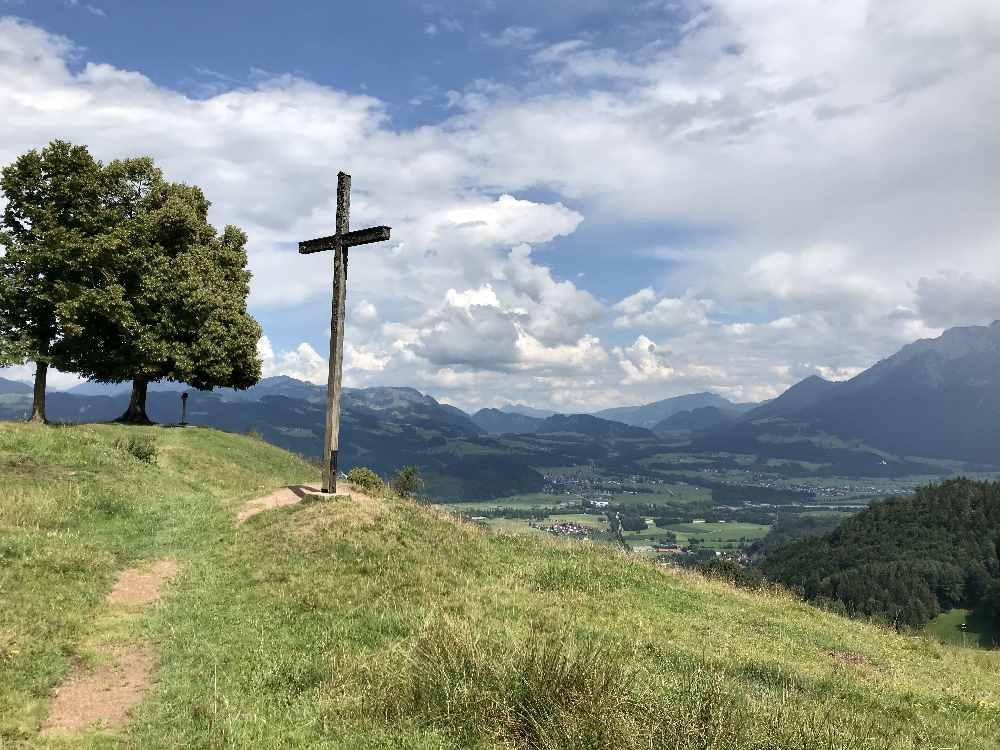 Auf dem Hocheck Oberaudorf: Der Blick vom Gipfel ist schön, erwartet man von unten nicht!