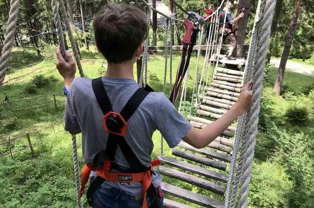 Spannend und lehrreich - Ausflug in Bayern im Hochseilgarten in Garmisch Partenkirchen mit Kindern