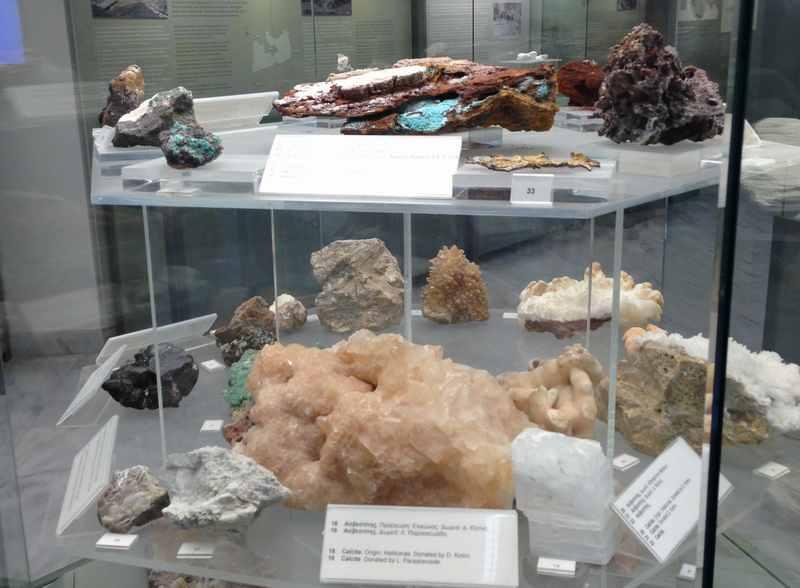 Bergbaumuseum mit Kindern auf den Kykladeninseln: Mineralien und Bodenschätze