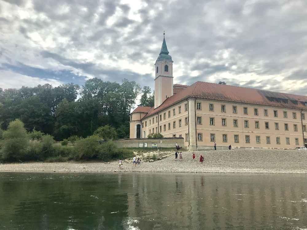 Ausflugsziele Kelheim: Imposant und eines der meistbesuchten Ausflugsziele in Bayern: Das Kloster Weltenburg