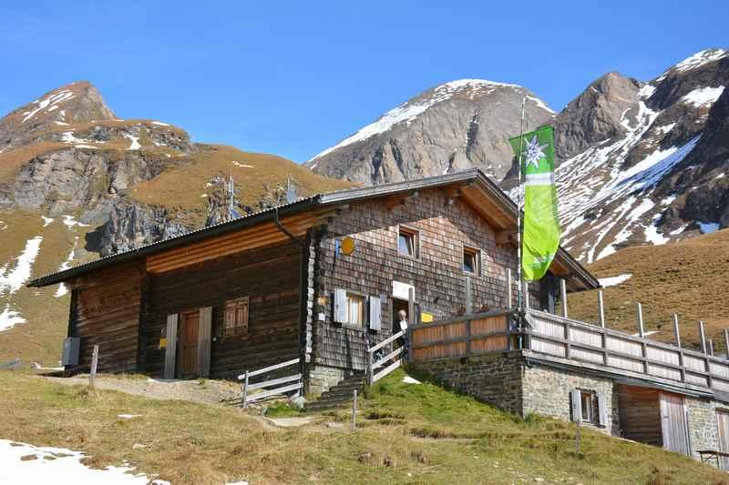 Das Ziel der Familienwanderung: Die Brixner Hütte in den Pfunderer Bergen in Südtirol
