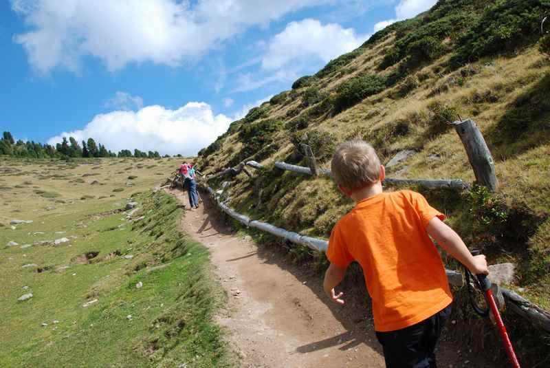 Zur Brogles Hütte wandern mit Kindern