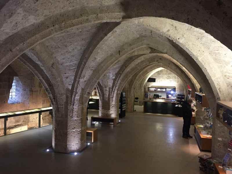 Das Gewölbe auf dem Weg in das Burgmuseum Burghausen