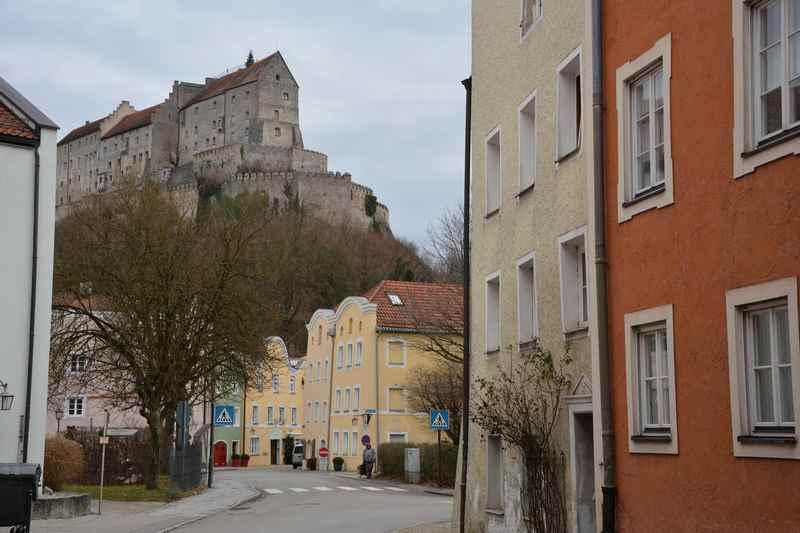 Hinauf auf die Burg - Spaziergang mit Kindern in Burghausen