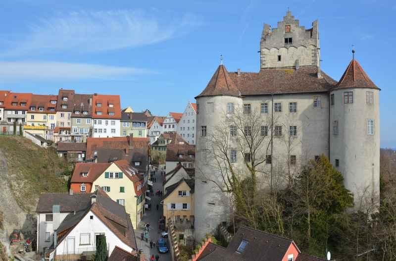 Die mächtige Burg Meersburg, ein lohenswerter Ausflug in Meersburg mit Kindern