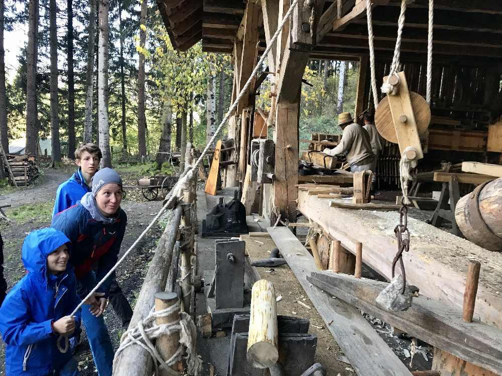 Mittelalterliches Handwerk beim Burgbau in Friesach - und wir mittendrin
