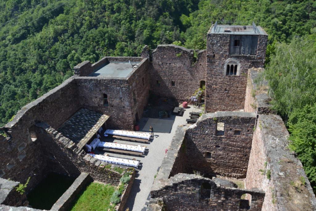 Burgenwanderung Eppan: Von Burg zu Burg wandern zum Schloss Hocheppan