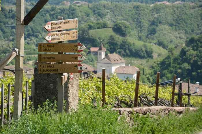 Auf dem Burgenwanderweg mit Kindern in Südtirol