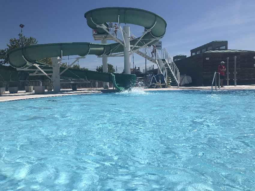 Campingplatz Italien am Meer mit Pool und Wasserrutsche! Der Traum für viele Kinder.
