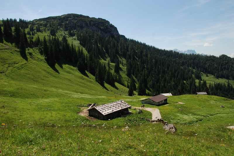 Idylle auf der Hochalm Heutal in den Chiemgauer Alpen, toll zu wandern mit Kindern