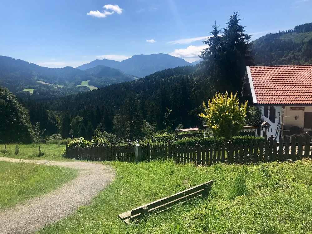 Vom Chiemsee wandern mit Kindern zu den Almen in den Chiemgauer Alpen