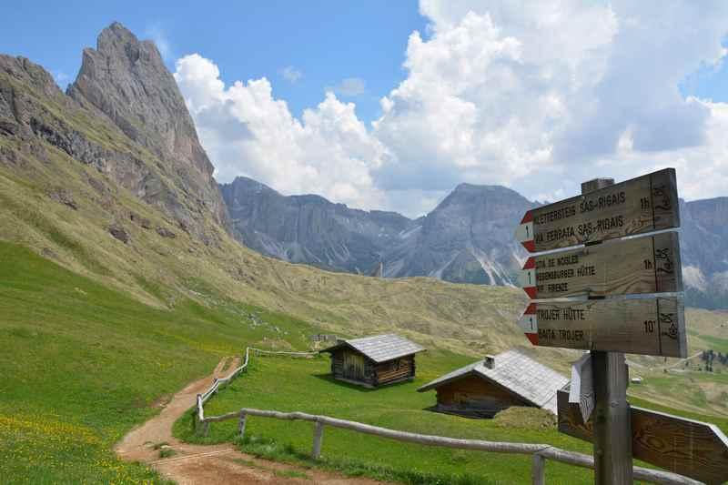 Von der Bergstation Col Raiser wandern mit Kindern in Südtirol - eine tolle Familienwanderung zur Panascharte