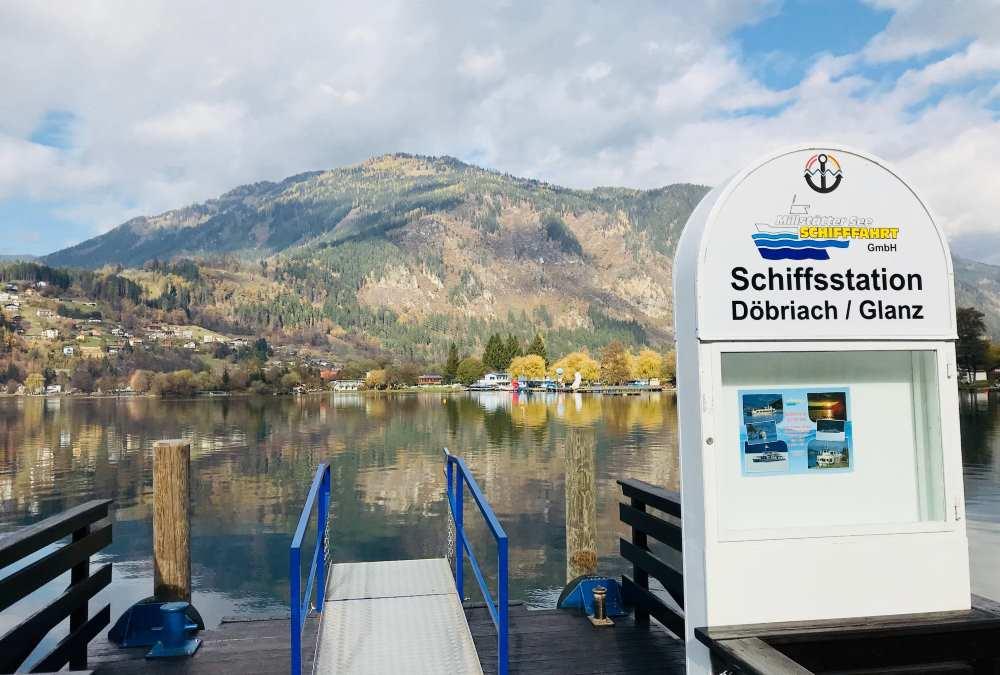Im November ist die Schifffahrt am Millstätter See eingestellt. Im Sommer geht es auch mit Schiff und Fahrrad über den See
