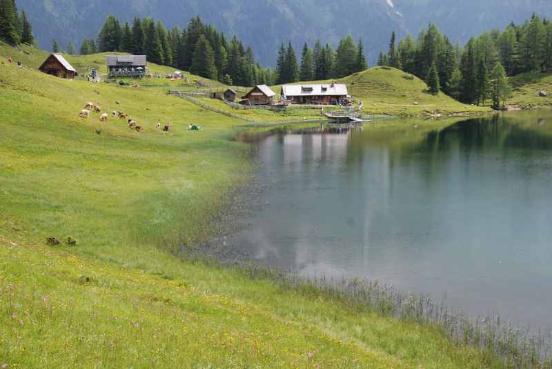 Wandern mit Kinderwagen Steiermark: Zum schönen Duisitzkarsee kann man mit dem Kinderwagen wandern