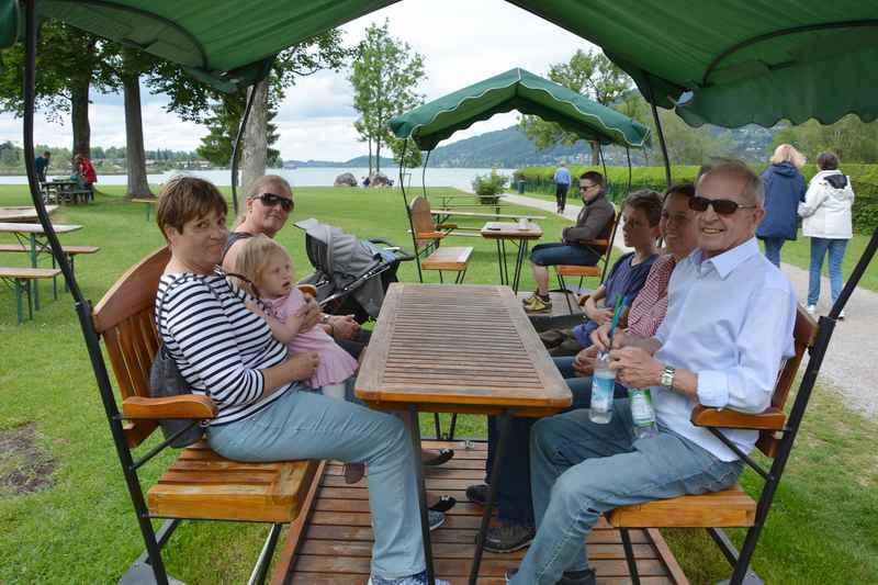 Kurze Einkehr beim Kiosk Popperwiese am Tegernsee