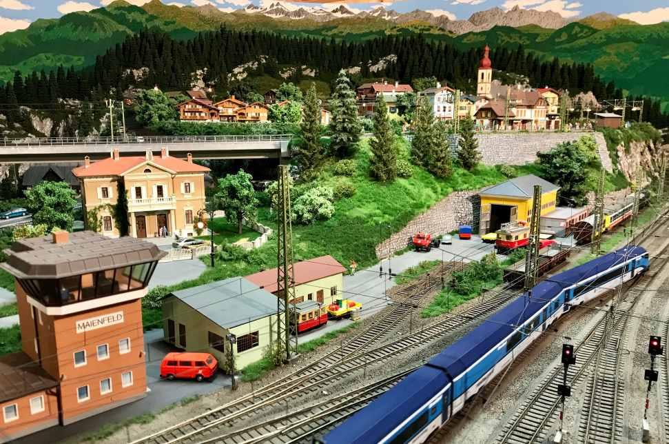 Wipptal Sehenswürdigkeiten:  Wir besuchen die Eisenbahn Miniaturwunderwelt in Tirol bei Hanns Jenewein