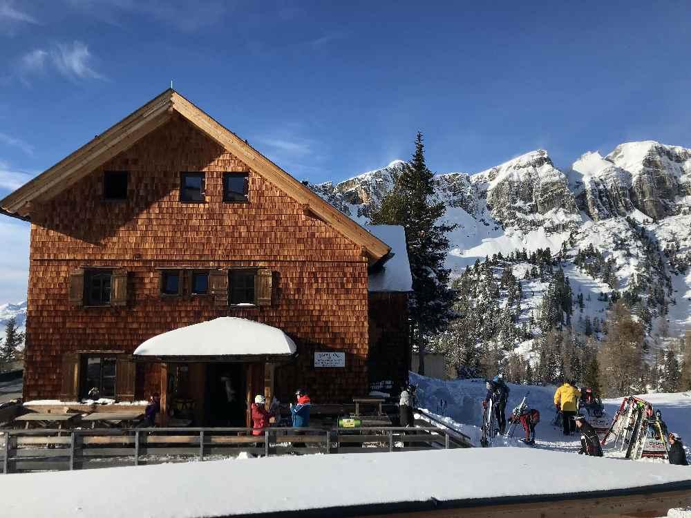 Und hier die Erfurter Hütte - beide Hütten kochen sehr gute Tiroler Küche!