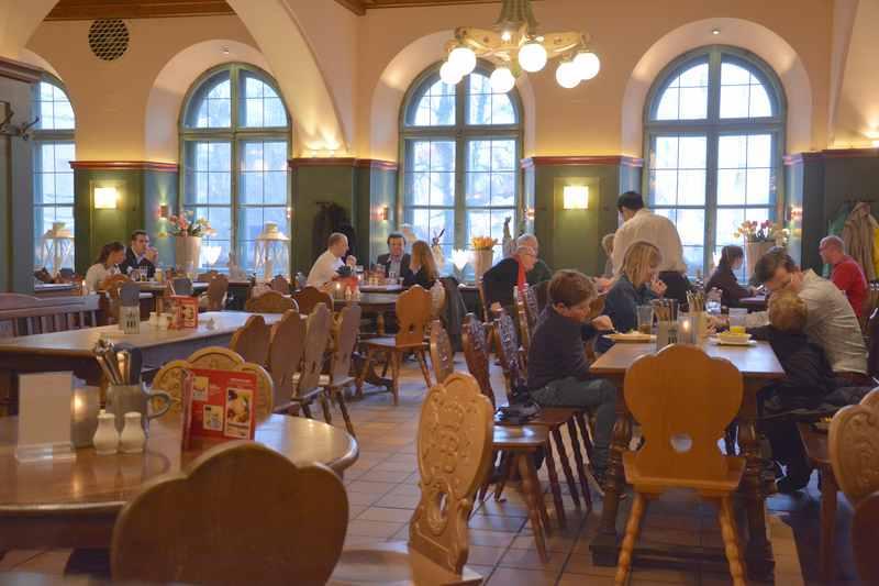 Wohin zum Essen in München mit Kindern? - das Wirtshaus Hofbräukeller. Nicht zu verwechseln mit dem Hofbräuhaus