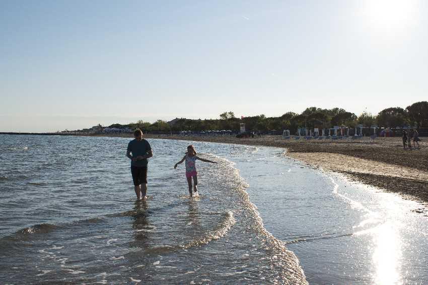 Camping Italien am Meer mit Kindern?  Traumtage am Strand mit Kindern!