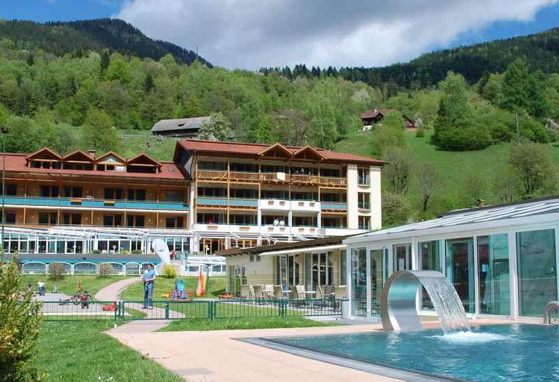 Der Brennseehof: Familienhotel Kärnten mit Schwimmbad, in den Nockbergen