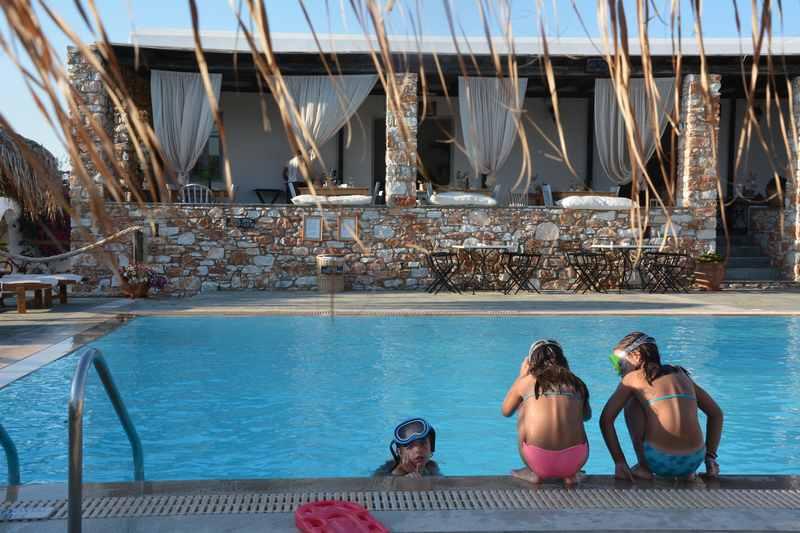 Familienhotel Griechenland mit Pool - das Parosland Hotel