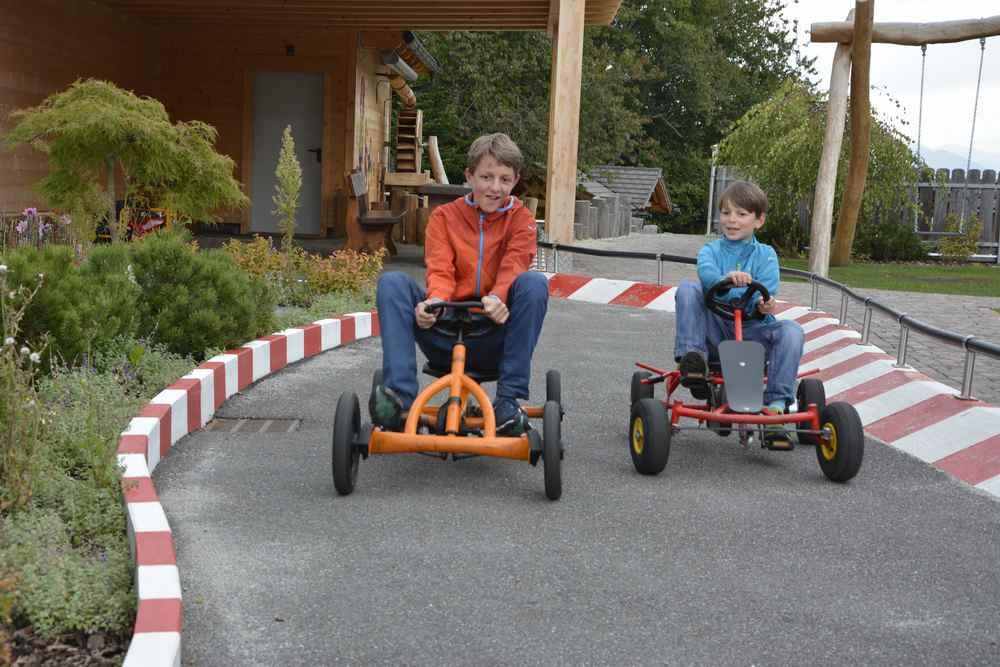 Familienhotel Südtirol mit Autorennbahn