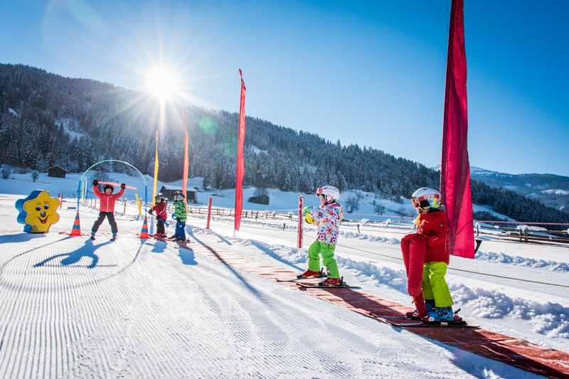 Kleines Kinderskigebiet Tirol mit gratis Skikurs? - in Weerberg geht das